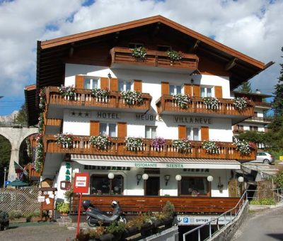 Hotel meubl villa neve cortina d 39 ampezzo 3 stelle for Hotel meuble villa neve cortina